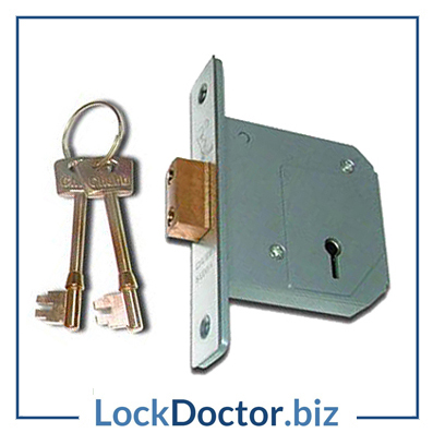 KM157 UNION CHUBB 3G114 5 Lever 67mm Deadlock with keys and step by step fitting instructions on how to change the lock from lockdoctorbiz