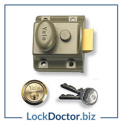 KM2652 YALE 723 Narrow Nightlatch with keys and step by step fitting instructions on how to change the lock from lockdoctorbiz